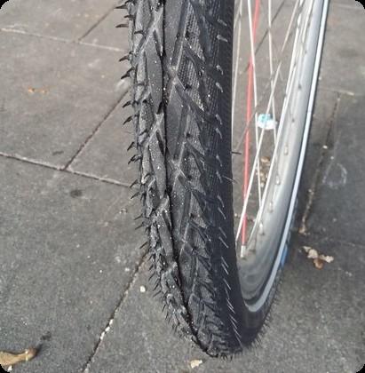 ドイツ 自転車パンク